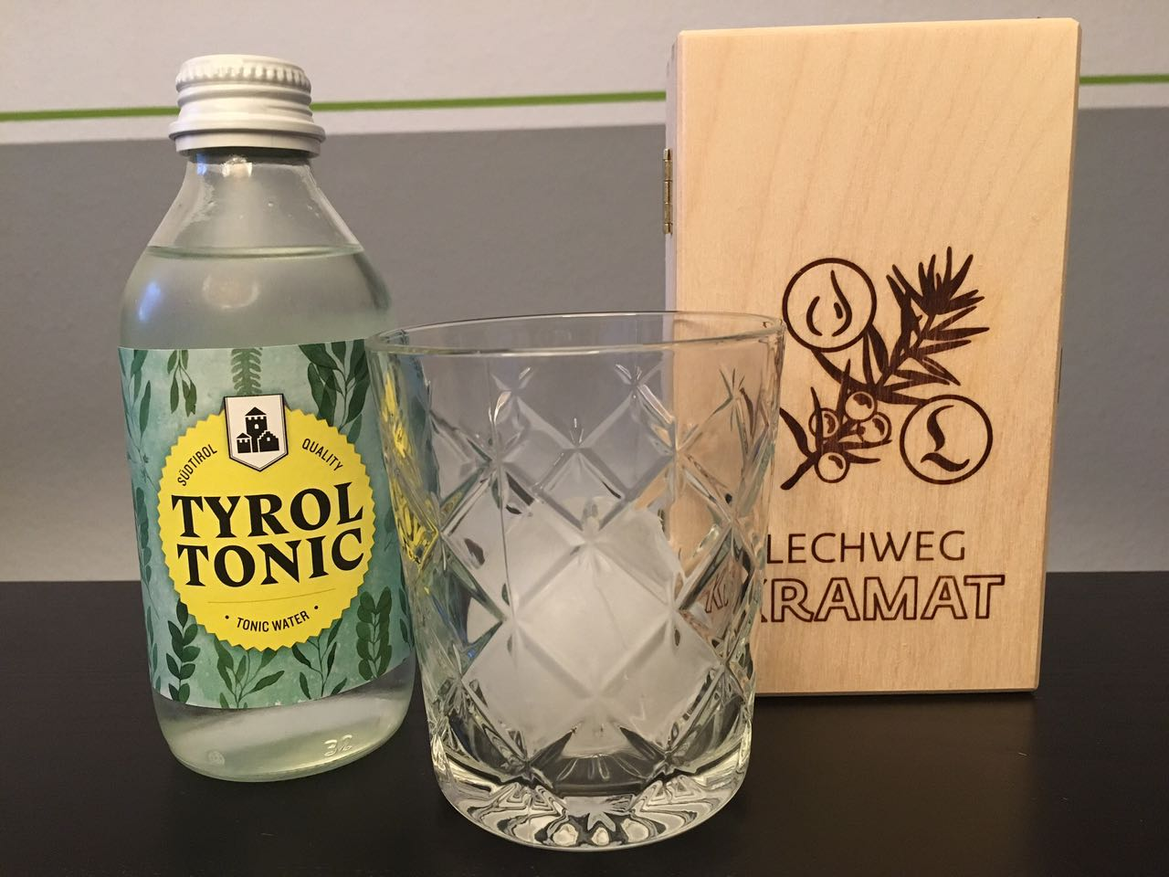 Lechtal Holzbox und Tyrol Tonic