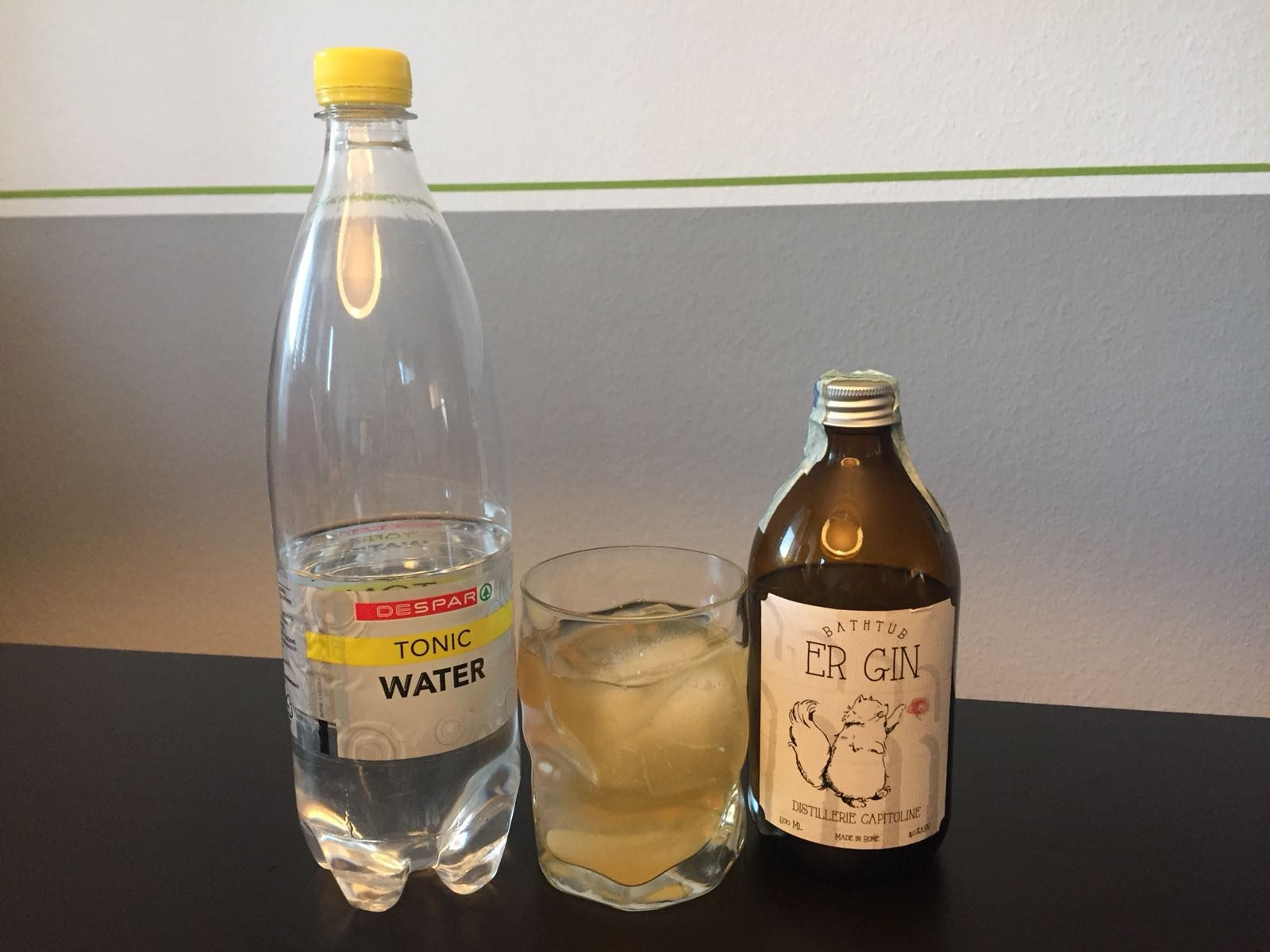 Er Gin und DeSpar Tonic Water